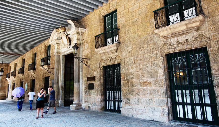 Palacios de La Habana