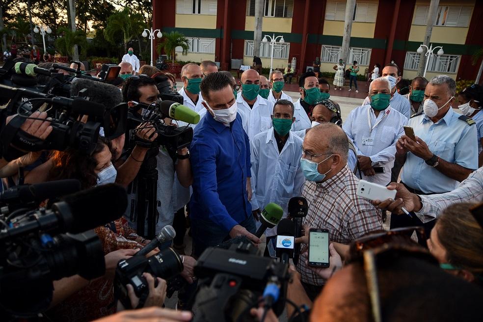 Brigada médica cubana rumbo a Saint Kitts and Nevis para enfrentar la COVID-19