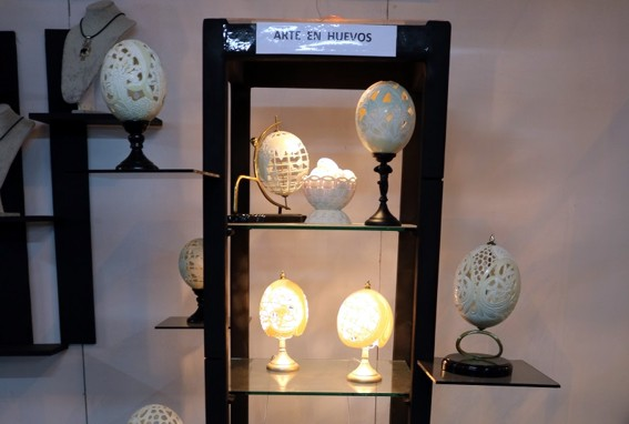 Passion for Eggs in Craftwork